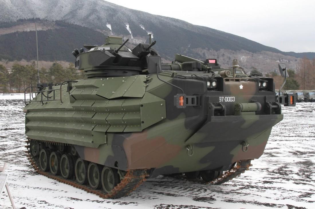 Десантно-гусеничная машина-амфибия AAV7