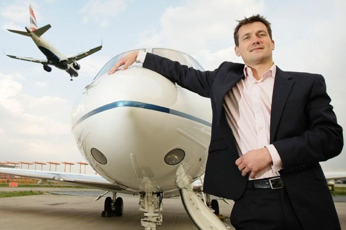 Адам Твиделл — директор компании PrivateFly