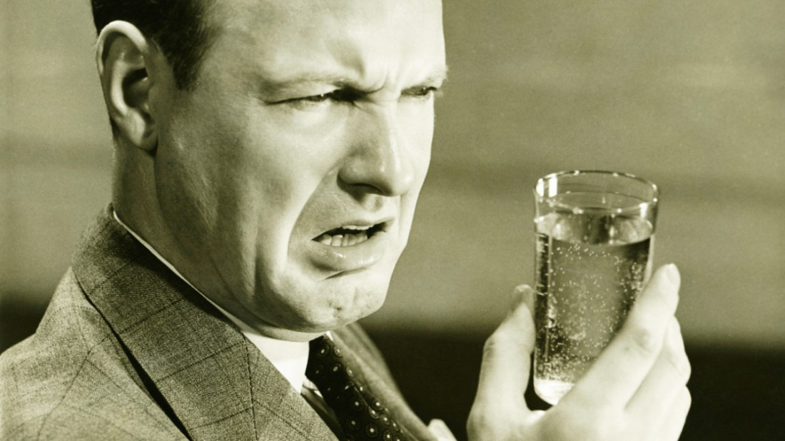 Мучит похмелье? Пей водичку, а не алкоголь