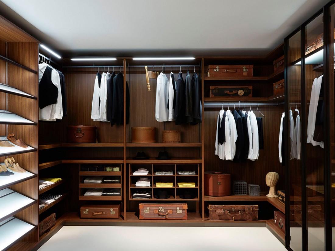 В мужском гардеробе не должно быть ничего лишнего