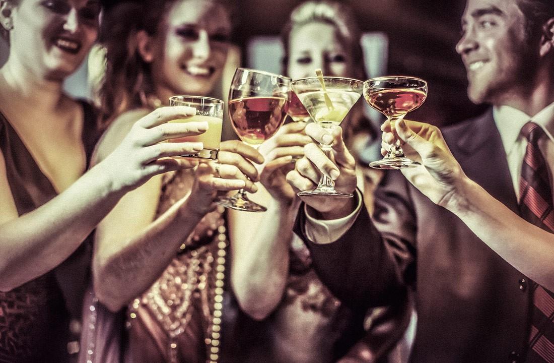 Алкогольные коктейли — отличное дополнение к любому празднику