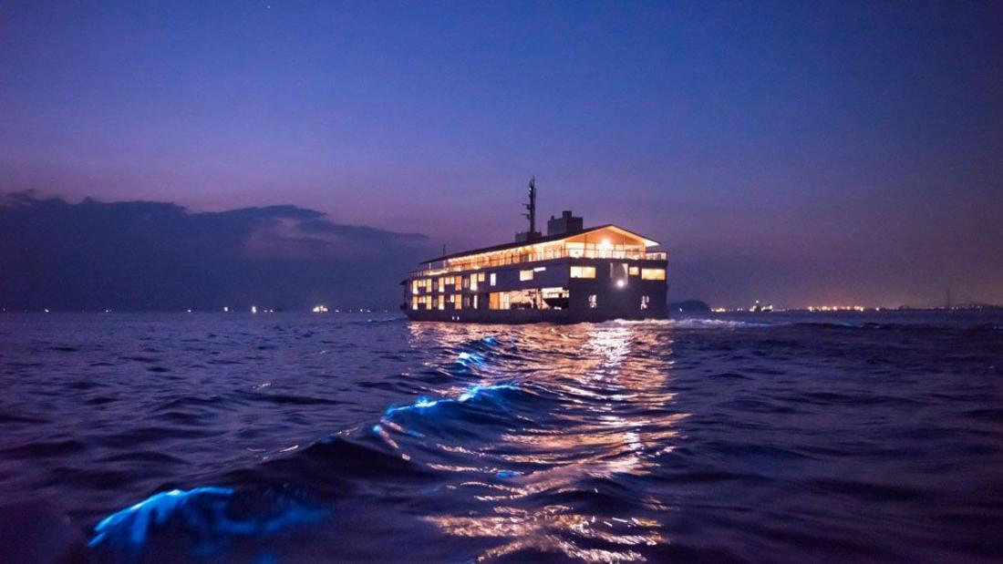 Guntu — лайнер-отель, на котором можно спрятаться еще и от боса