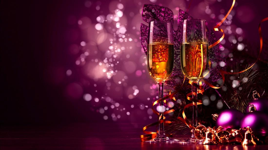 Пара бокалов вина на Новый год – и настроение улучшится
