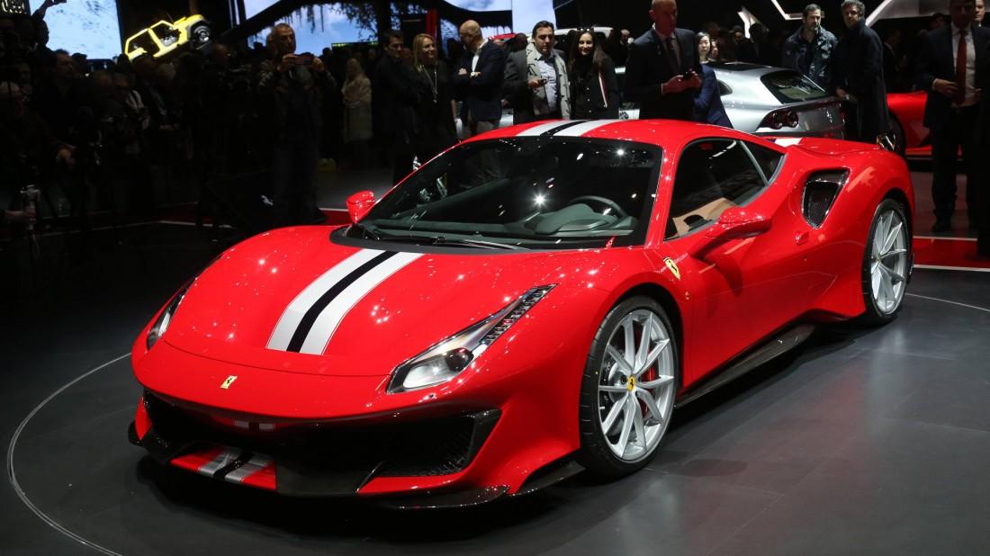 Новенькая Ferrari 488 Pista