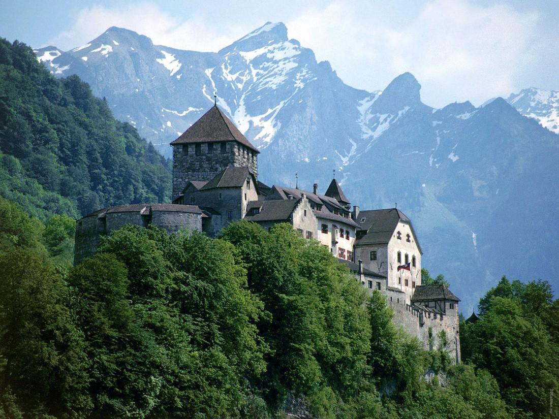 Замок Вадуц принимает гостей только раз в год — 15 августа