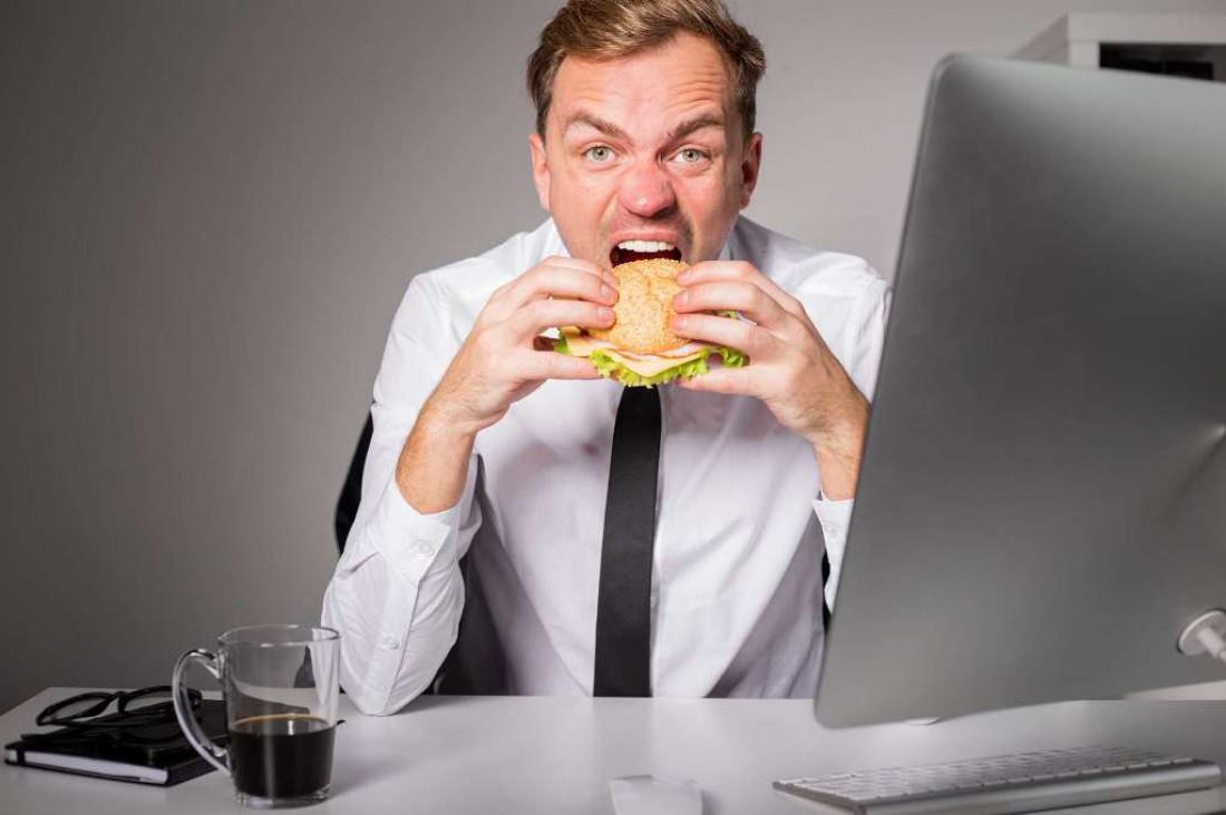 Прекрати объедаться! Особенно если у тебя сидячий образ жизни