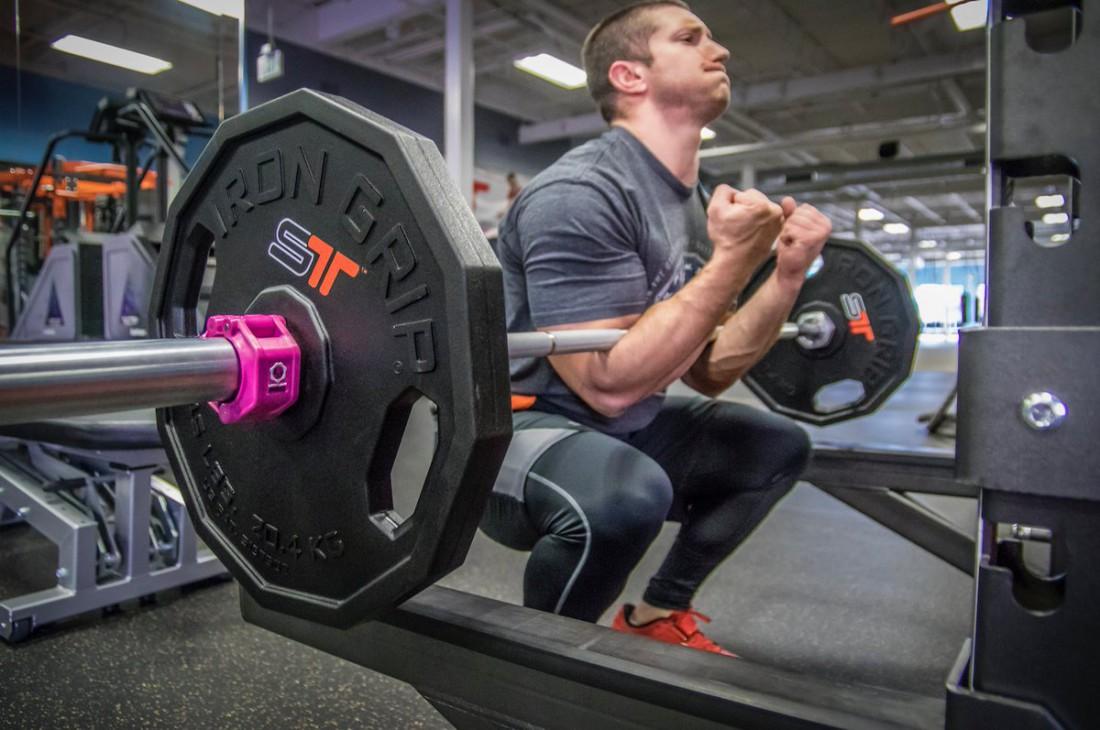 Как накачать ноги, если у тебя слабенькая спина? Ответ: приседы Зерчера