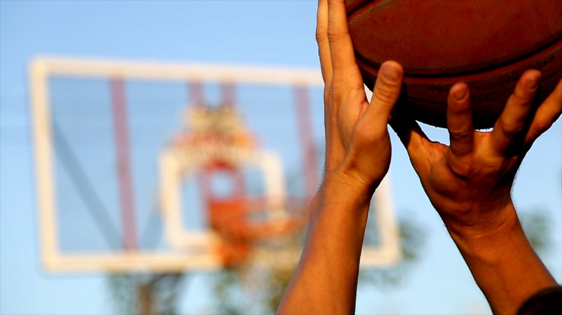 Играешь в баскетбол? Береги пальцы: ими тебе еще много чего придется