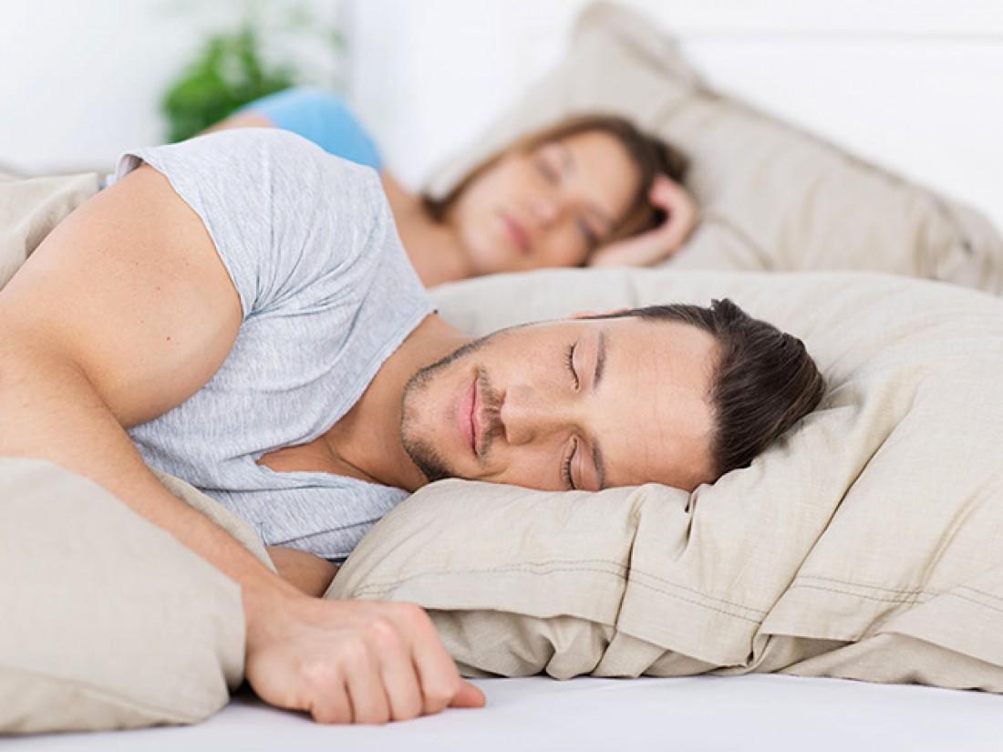 Спать лучше все же на боку