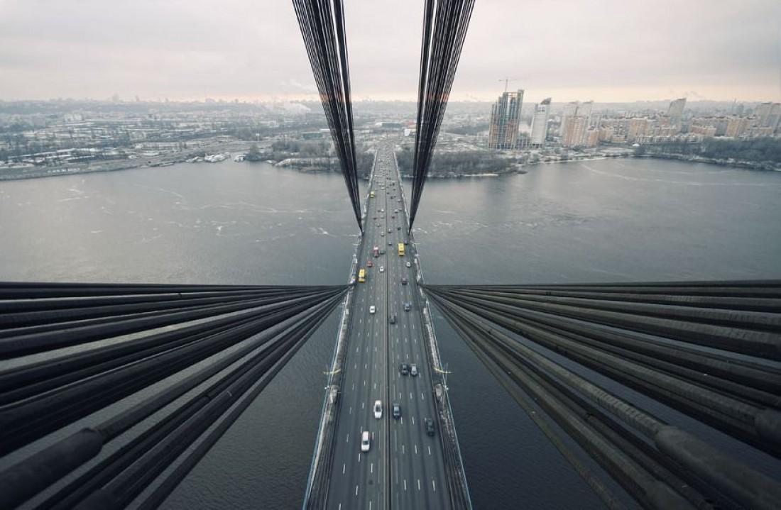 Московский мост — проклятая дорога, на которой вечно аварии и пробки