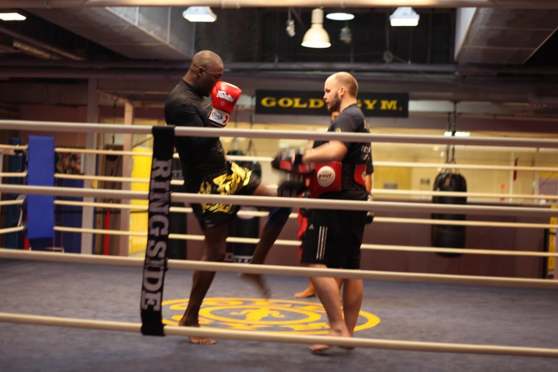 Тренировки Идрис начинал с пробежки, заканчивал на ринге