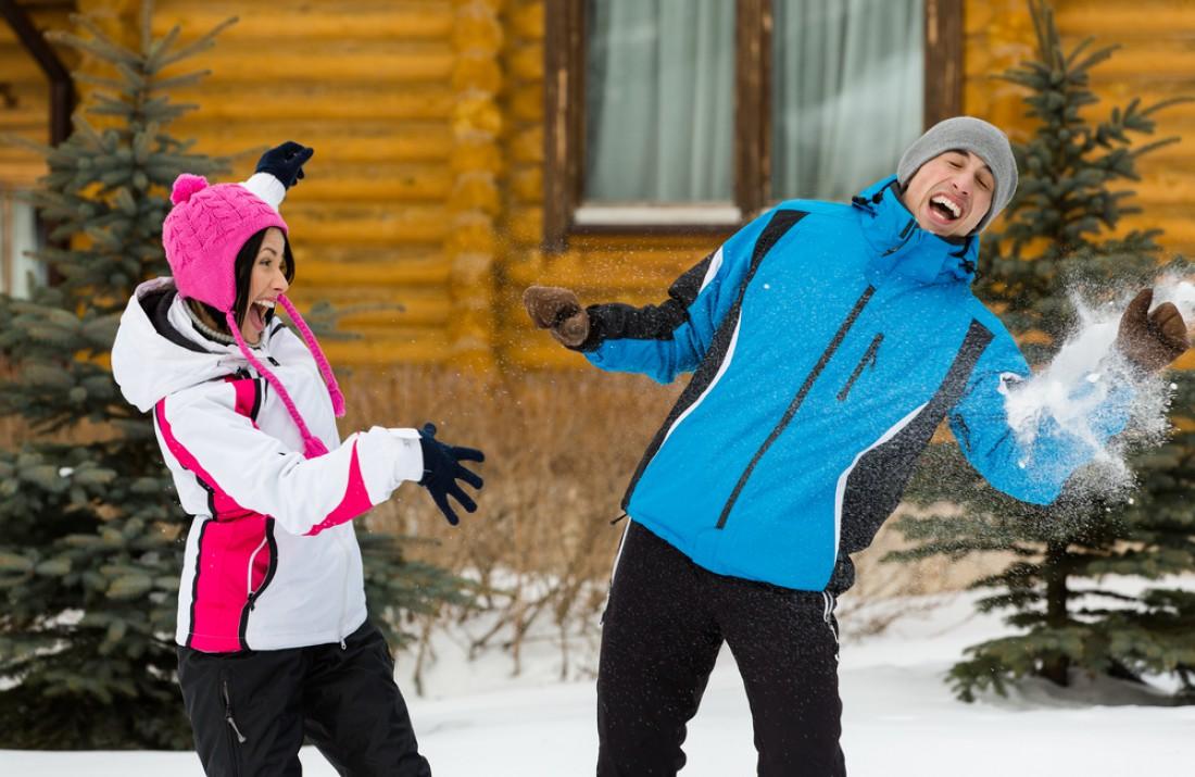Снежок в руках меткого стрелка – прямой путь к окулисту
