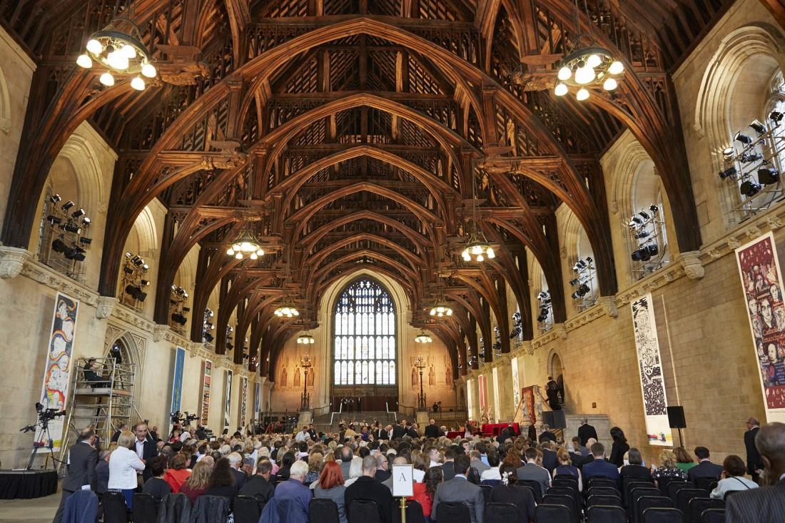 Потолок Вестминстер-холла держится лишь на деревянных арках