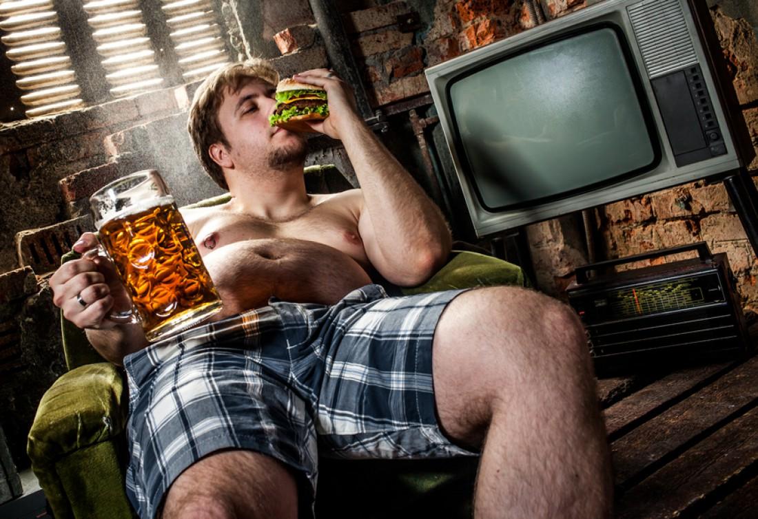 Галлон пива и тонна закуски — простой способ превратиться в кабанчика