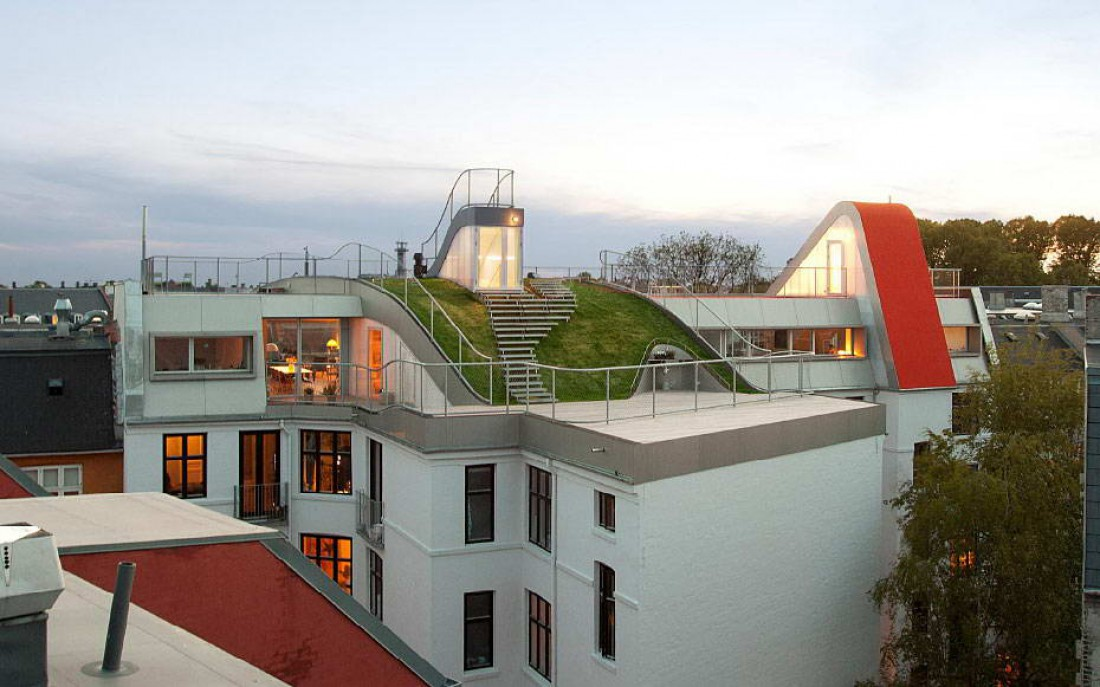 Боишься высоты — топай на эту крышу. Там тебе должно понравиться