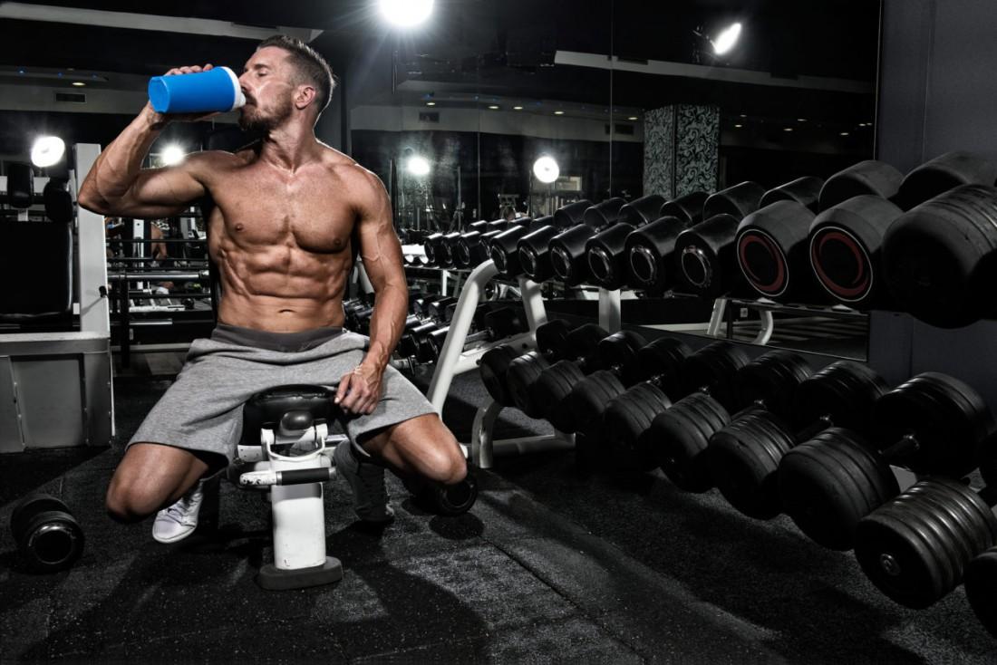 Всегда имей при себе и пей протеиновый коктейль — будет расти масса