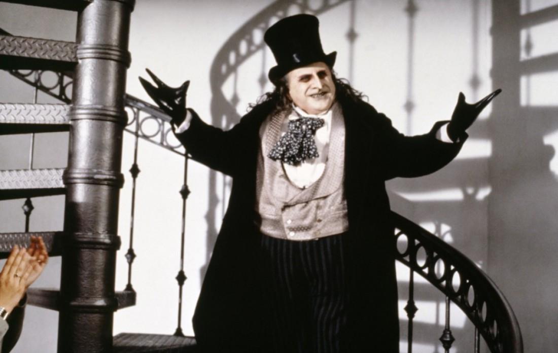 Дэнни Де Вито (человек-пингвин) едва не поработил весь мир