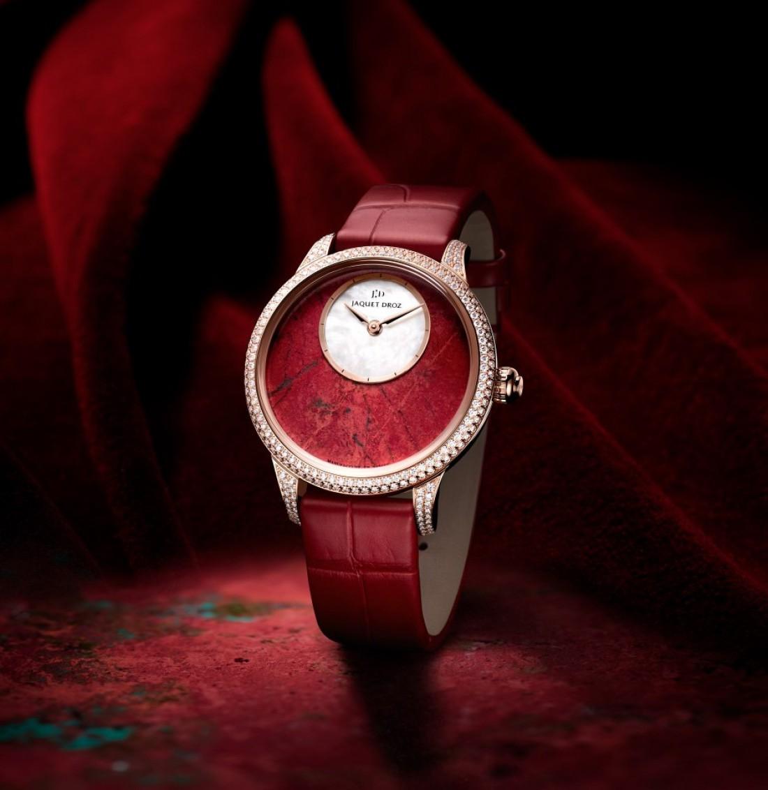 Что подарить девушке на День Влюбленных — часы Petite Heure Minute
