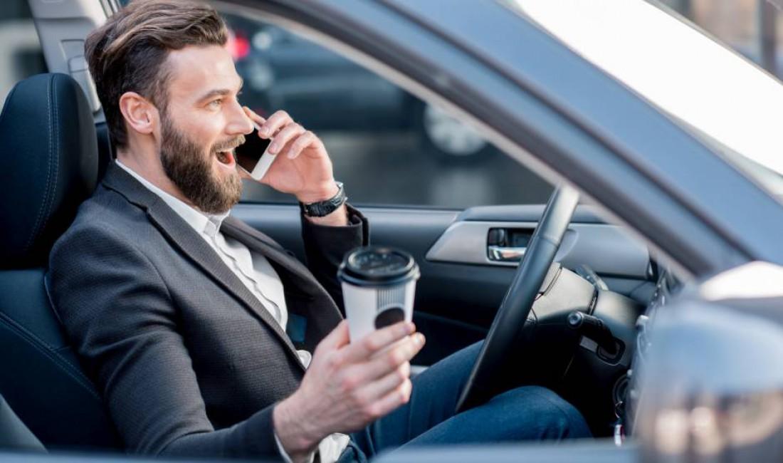 Среднестатистический киевский зевака-водитель. Не будь таким же