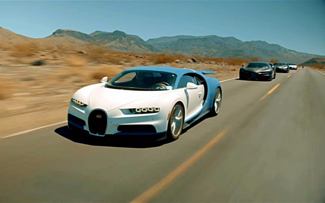 На борту Bugatti Chiron 8-литровый 1500-сильный W16 с четырьмя турбинами