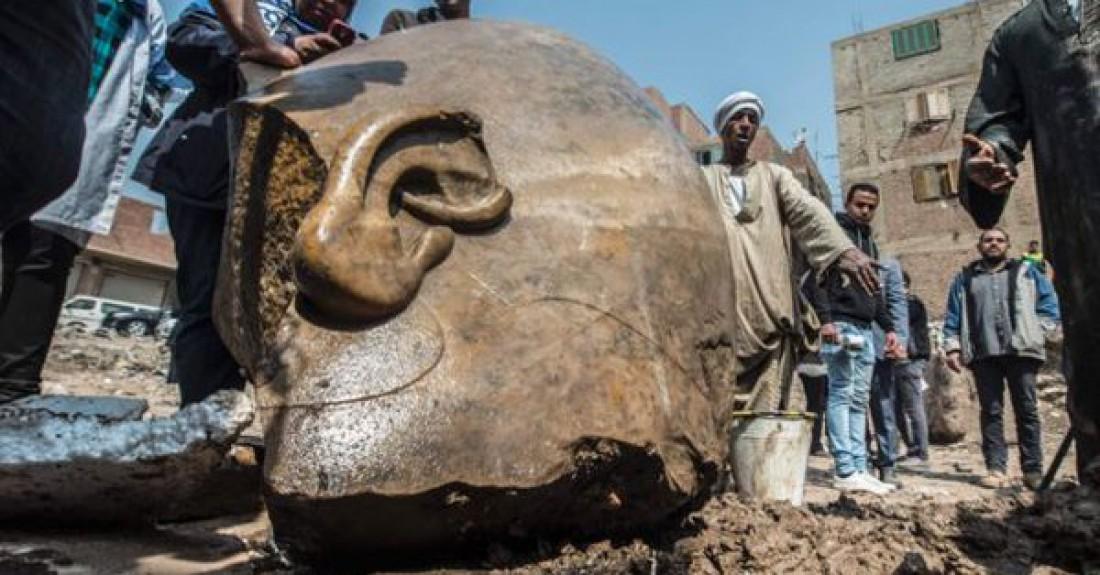 Голова Рамзеса - фараона, жившего более трех тысяч лет назад