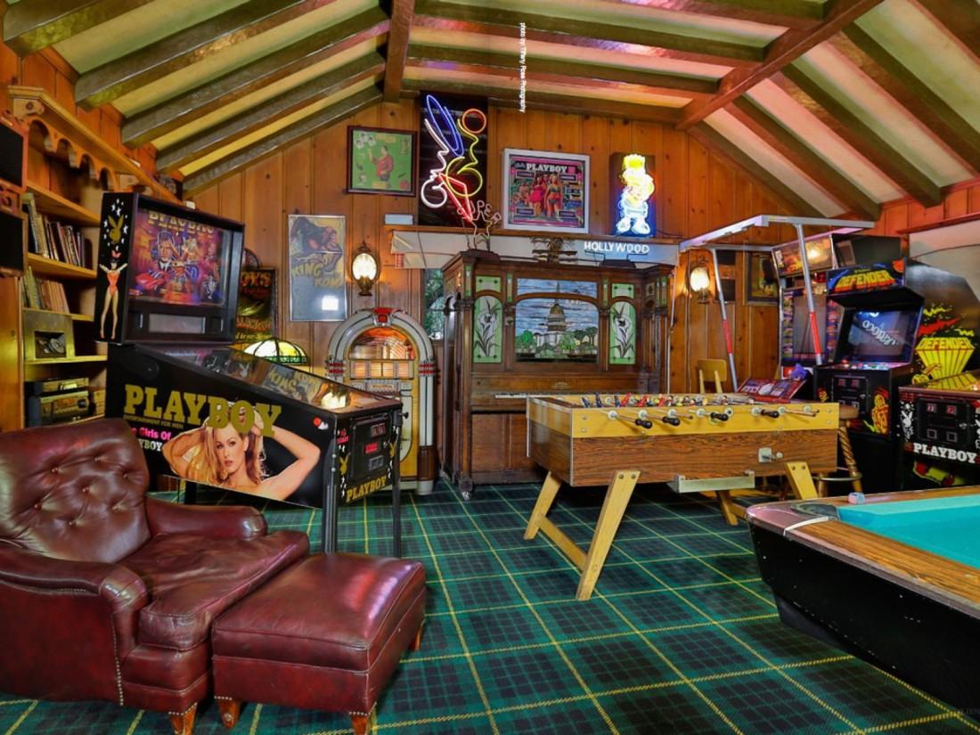 Так выглядела игровая комната в особняке Playboy