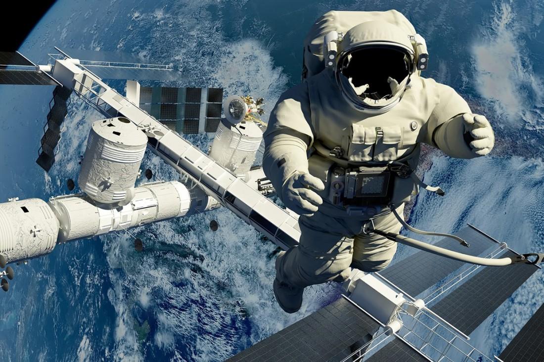 Главная проблема для человека в космосе без скафандра - холод и отсутствие кислорода