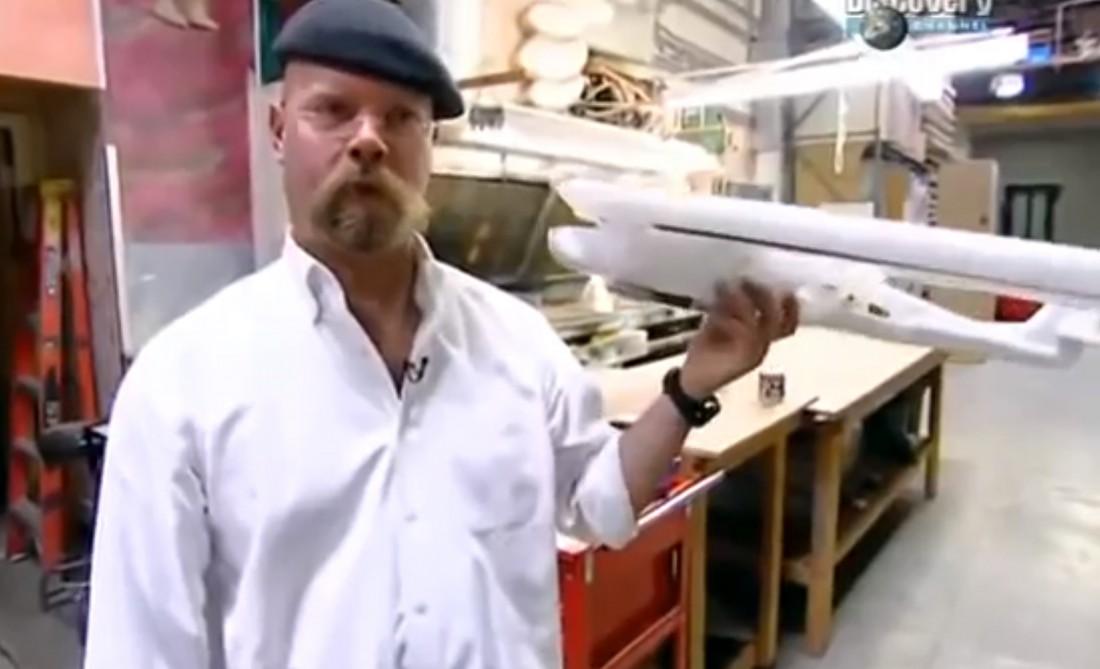 Джейми Хайнеман и его опытный бетонный образец