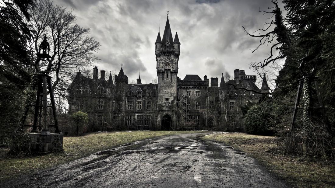 Замок Миранды, Целле, Бельгия. Из-за жадности владельцев пустует с 1991-го года