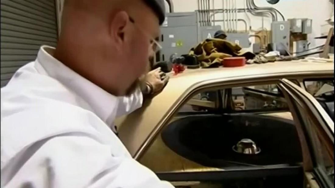 Джейми Хайнеман и тестовая машина с гигантским сабвуфером