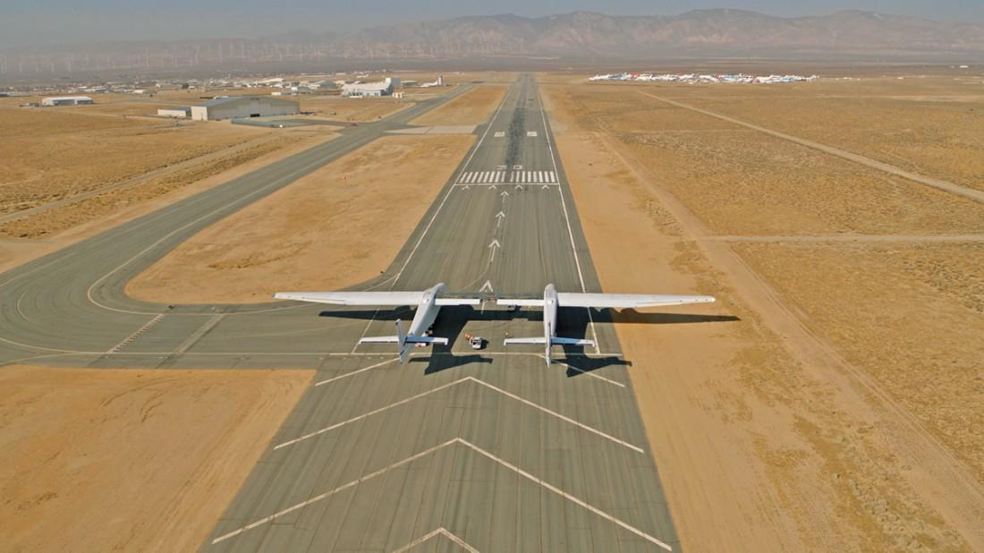 Stratolaunch Model 351 — самолет с самым большим размахом крыла в мире