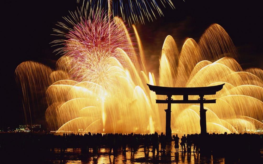 Каждый метр Японии просякнут историей и культурой. На рождественские праздники там скучать точно не придется