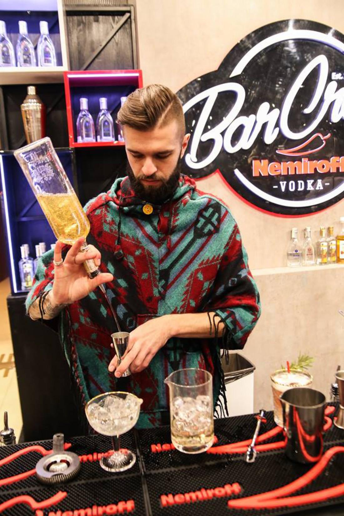 Вот так готовили коктейли на вечеринке BAROMETER International Bar Show