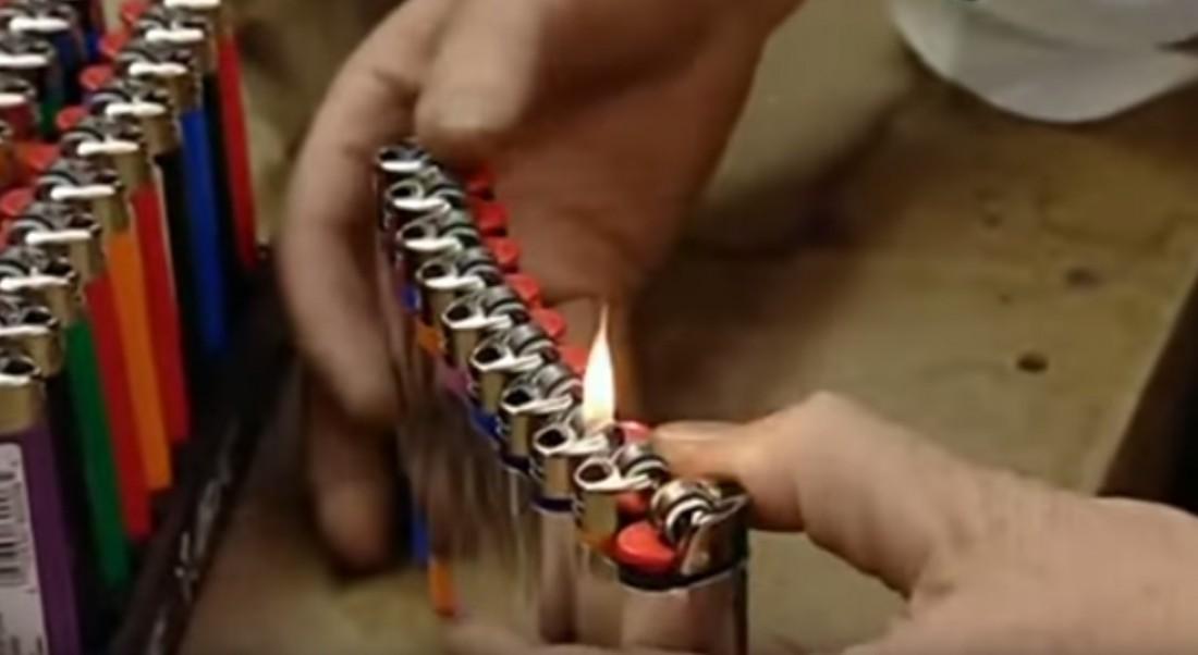 Зажигалки, с помощью которых