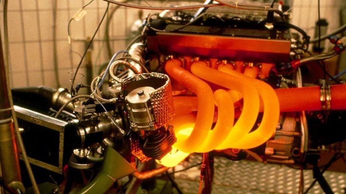 Один из результатов, к которому приведет отбеливатель в масле мотора