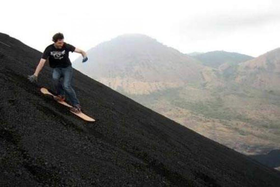 Сноубординг на склонах вулкана