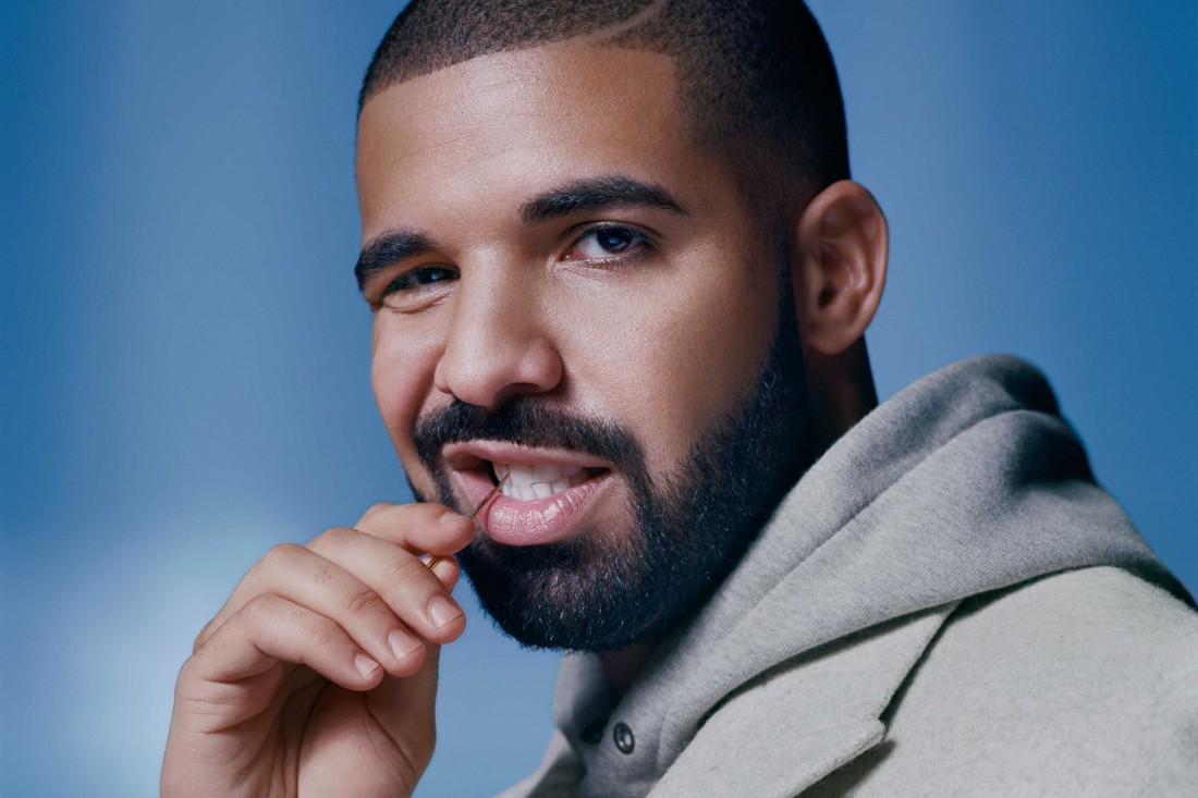Миллионер Drake. Ковыряется в зубах зубочисткой. Смотрит на тебя как на дно