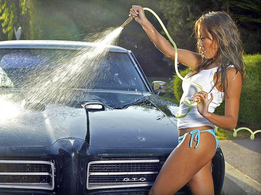 Собрался мыть авто дома? Ищи бытовой аппарат высокого давления