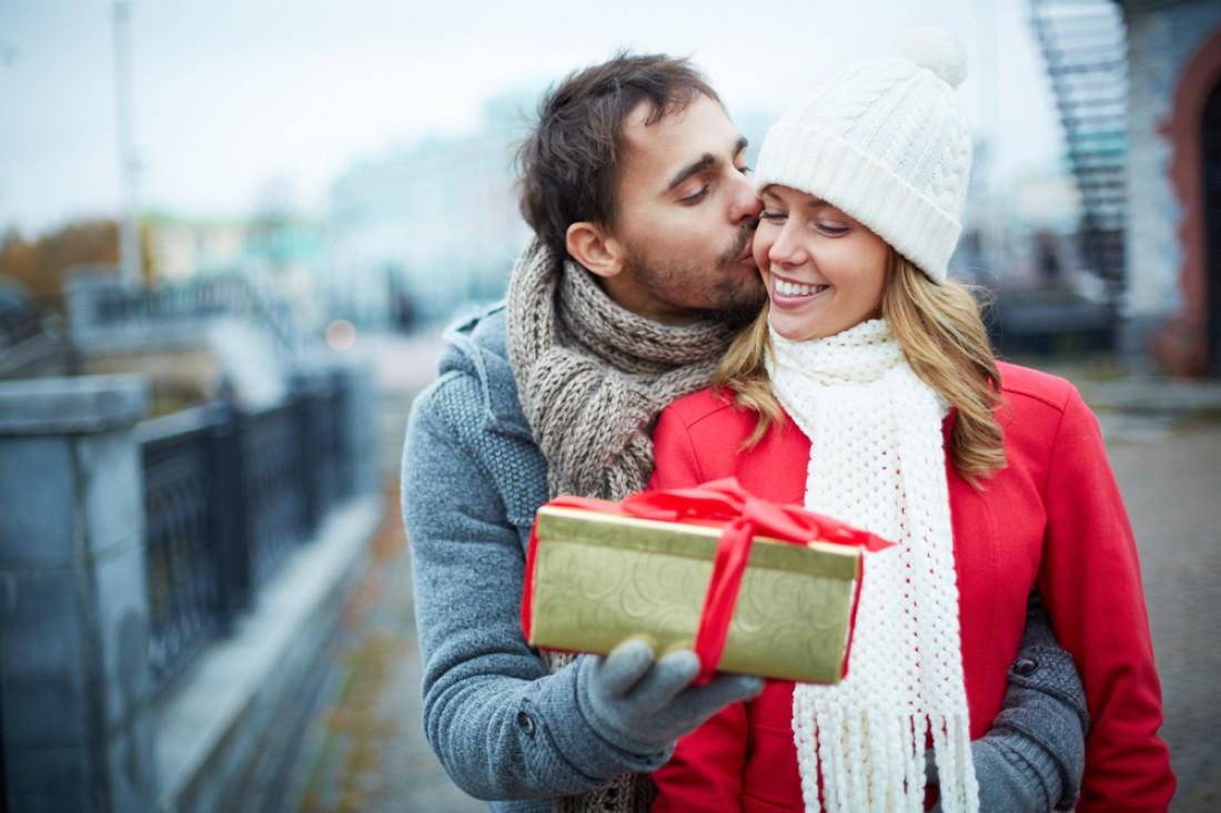 А что ты подаришь любимой на 8 марта?