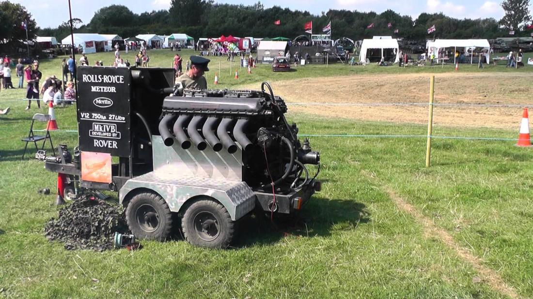 750-сильный 27-литровый V12 Rolls-Royce Meteor