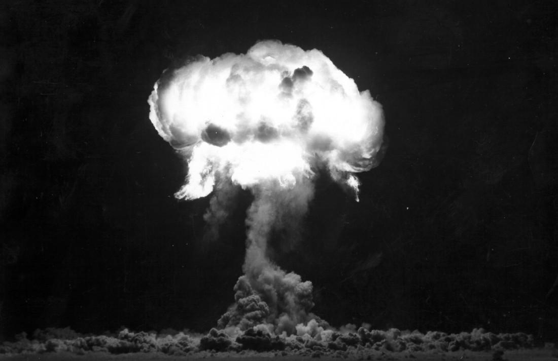 Смертями и разрушениями испытания ядерного оружия таки помогли предотвратить Третью мировую
