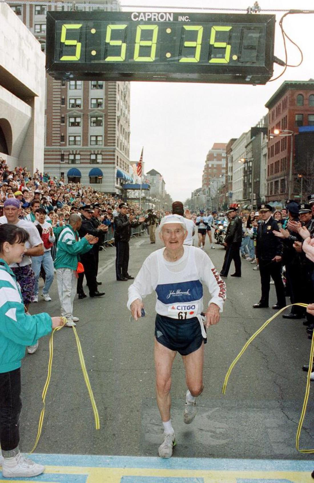 Джонни Келли принимал участие в Бостонском марафоне 61 раз
