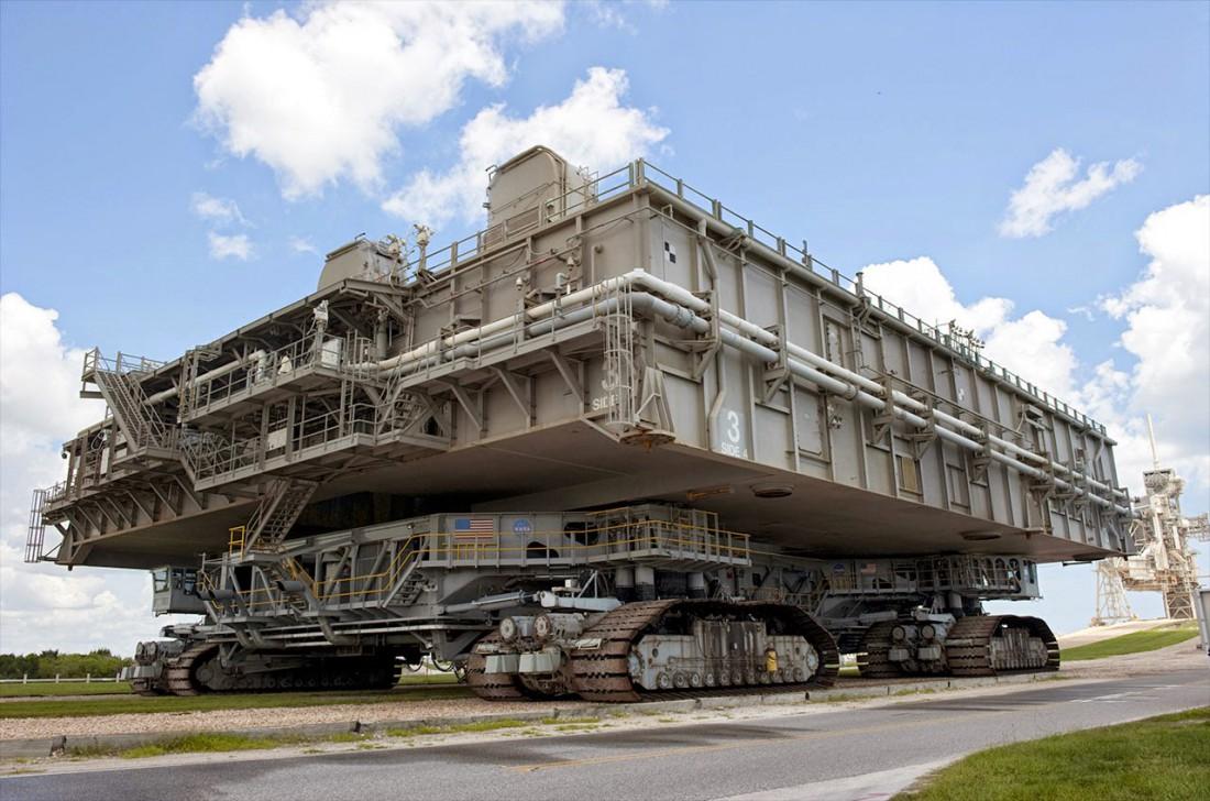 Гусеничный транспортер NASA. Цель — перевозить космические корабли
