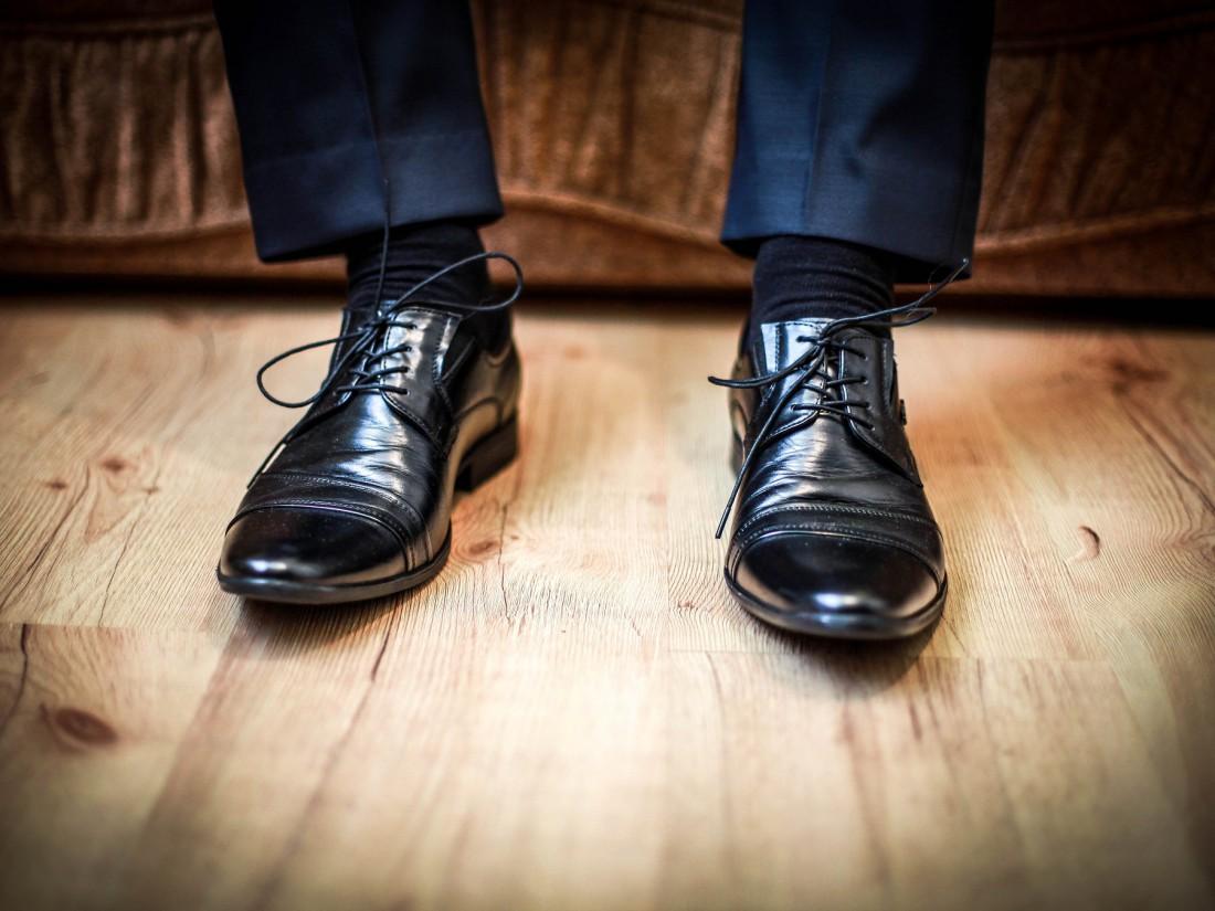 Вот так выглядят туфли, отполированные нейлоновыми колготками