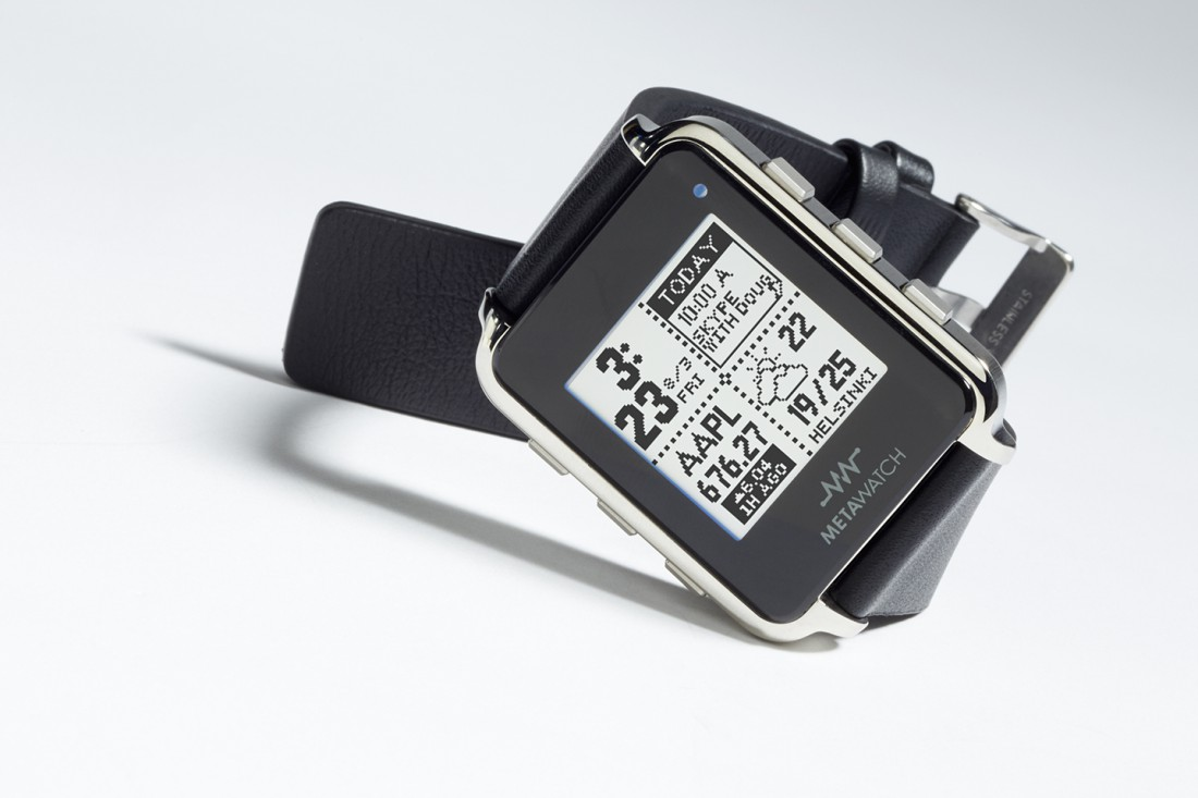 MetaWatch Frame. Цена – 1100 гривен