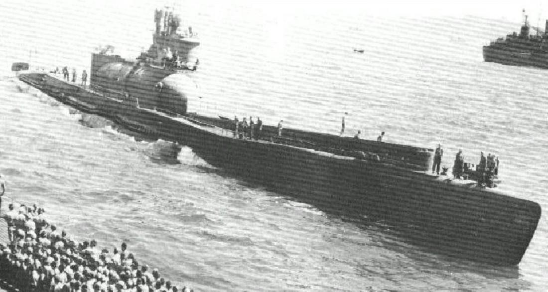 Одна из троих субмарин класса Сен Току I-400