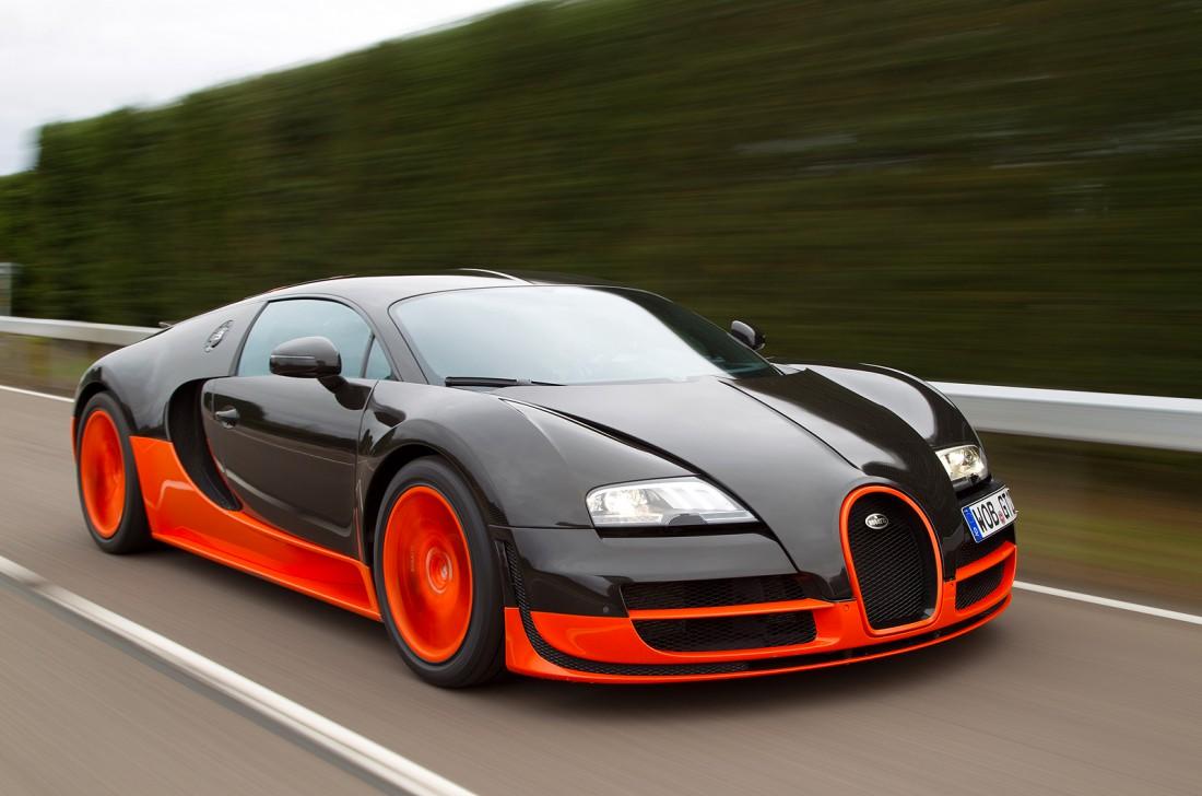 Bugatti Veyron. Маскулинный конкурент Dodge Viper, от которого женщины тоже балдеют