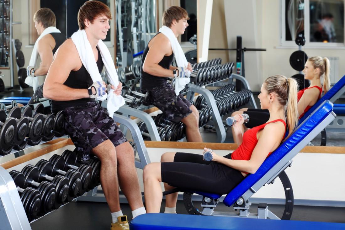 Девушки в спортзале — жирный стимул для тренировки