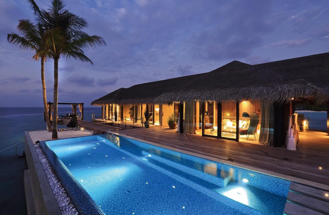 Romantic Pool Residence. Там тебя от души напоят пивом