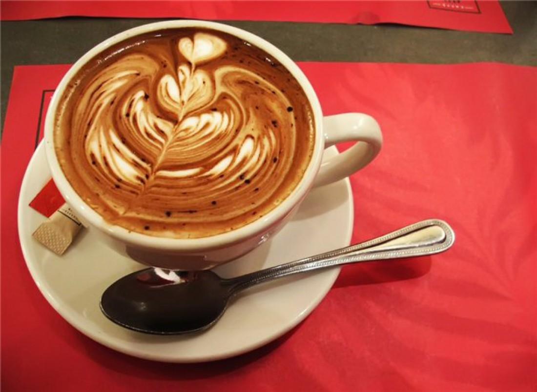 Толковый бариста на твоем кофе обязательно что-то нарисует